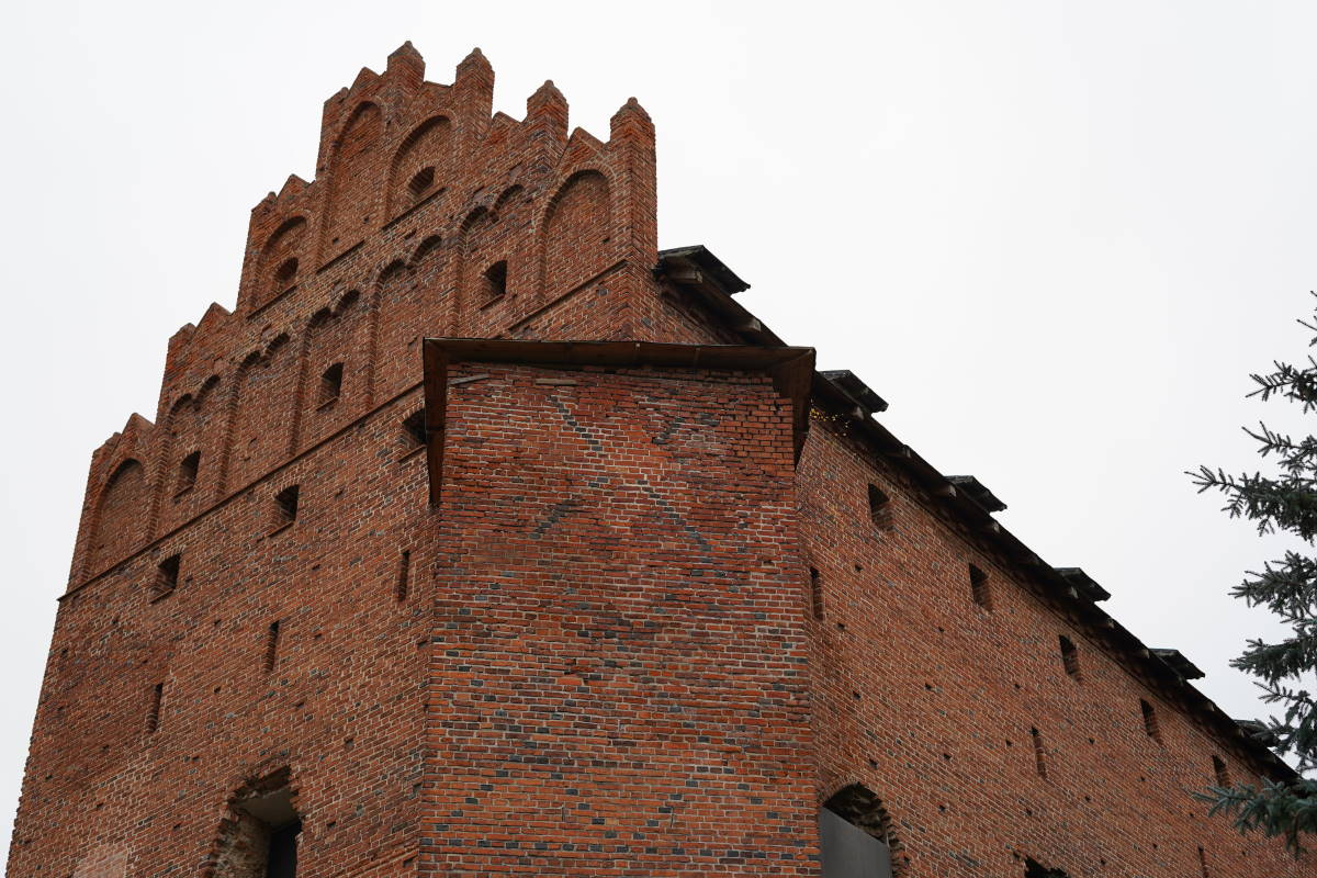 Teutonic-Knights-Castle-for-sale-in-Poland-Barciany-Zamek-1